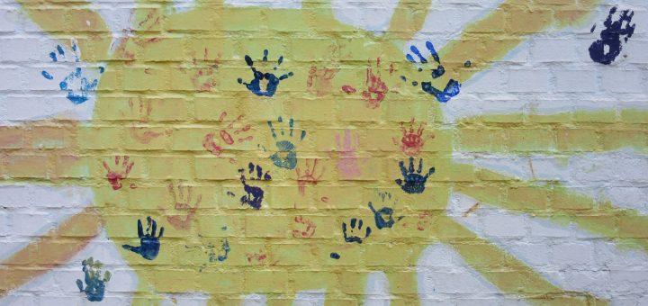 Was sind Kindergebärden? Wie ist der Unterschied zu Babygebärden und Babyzeichensprache?